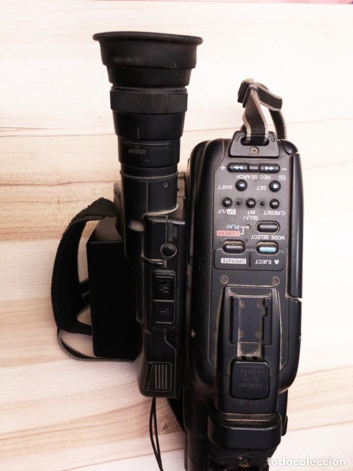 Cámara de fotos: VIDEO CÁMARA CANON CANOVISION E100 con batería, cargador y mando. - Foto 3 - 214833932