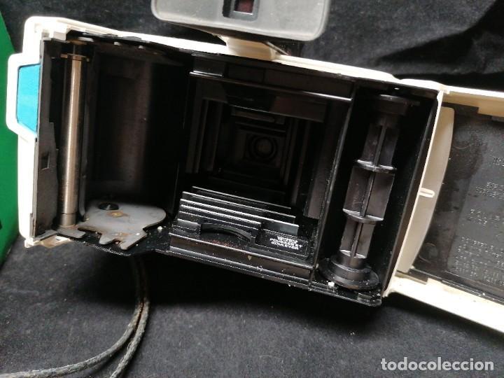 Cámara de fotos: Antigua camara de fotos Polaroid Swinger - Foto 8 - 224056257