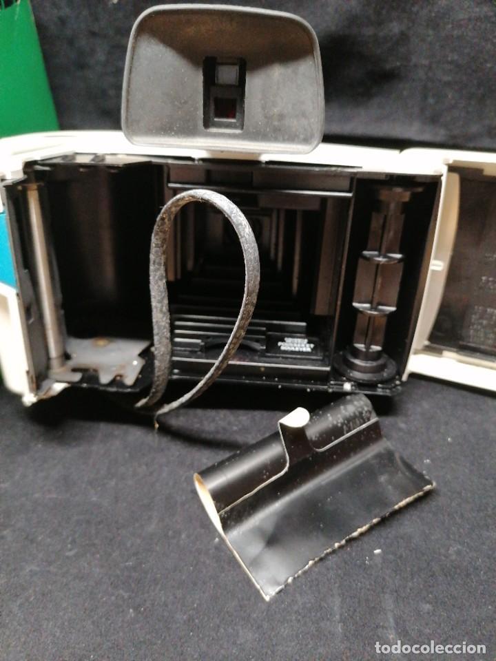 Cámara de fotos: Antigua camara de fotos Polaroid Swinger - Foto 9 - 224056257