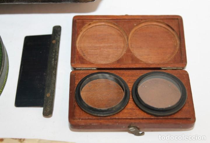Cámara de fotos: Cámara estereoscópica Verascope de Jule Richard con gran cantidad de accesorios. Paris 1900 - Foto 25 - 226098550