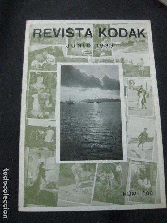 REVISTA KODAK Nº 100. JUNIO 1933. FOTOGRAFIAS DE IMAGENES REFLEJADAS. EL NUEVO CINE KODAK MOD. K. (Cámaras Fotográficas - Catálogos, Manuales y Publicidad)
