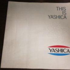 Cámara de fotos: YASHICA, AÑOS 60, GRAN CATÁLOGO 22 PÁGINAS. Lote 230677360