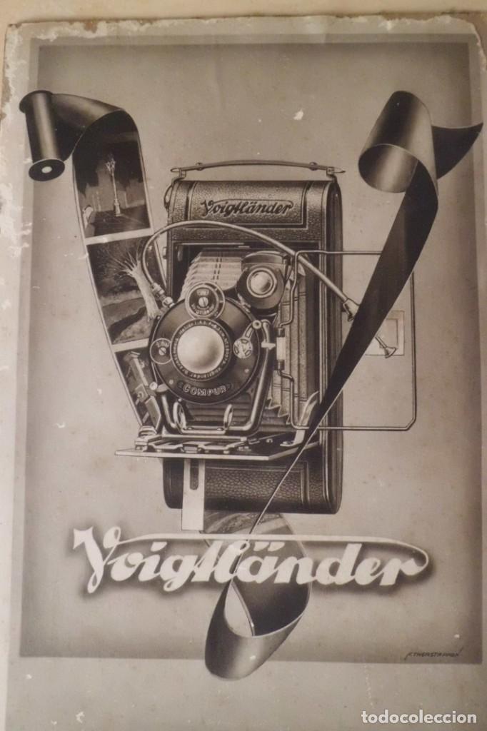 PRECIOSO CARTEL DE VOIGTLANDER, AÑOS 30 - ORIGINAL CARTON GRUESO (Cámaras Fotográficas - Catálogos, Manuales y Publicidad)
