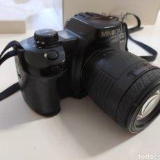 Cámara de fotos: MINOLTA DYNAC 600SI CON OBJETIVO 18-55 MM. FOTOGRAFÍA. CÁMARA. Lote 235238970