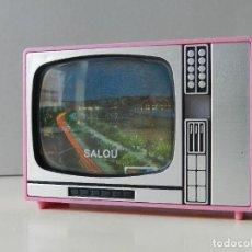 Fotocamere: TELEVISIÓN VISOR DIAPOSITIVAS RECUERDO SALOU TELE JUGUETE SOUVENIR MADE IN SPAIN ROSA. Lote 238845010