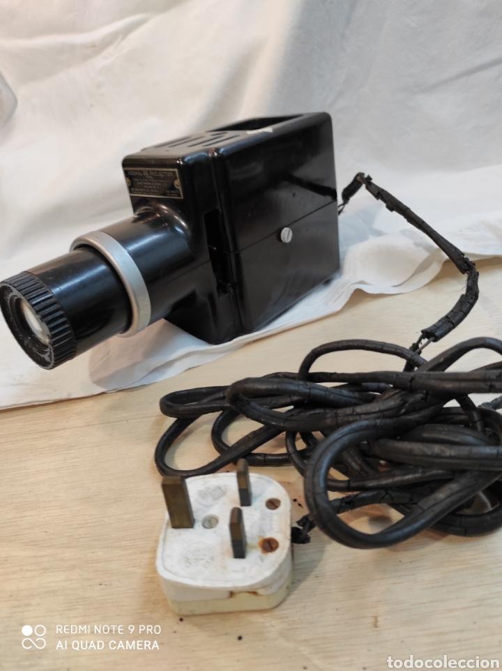 Cámara de fotos: Proyector de diapositivas Kodak. - Foto 4 - 242279380