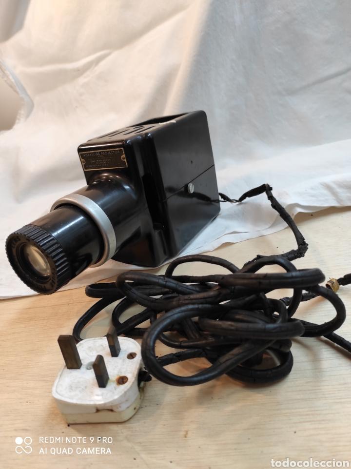 Cámara de fotos: Proyector de diapositivas Kodak. - Foto 6 - 242279380