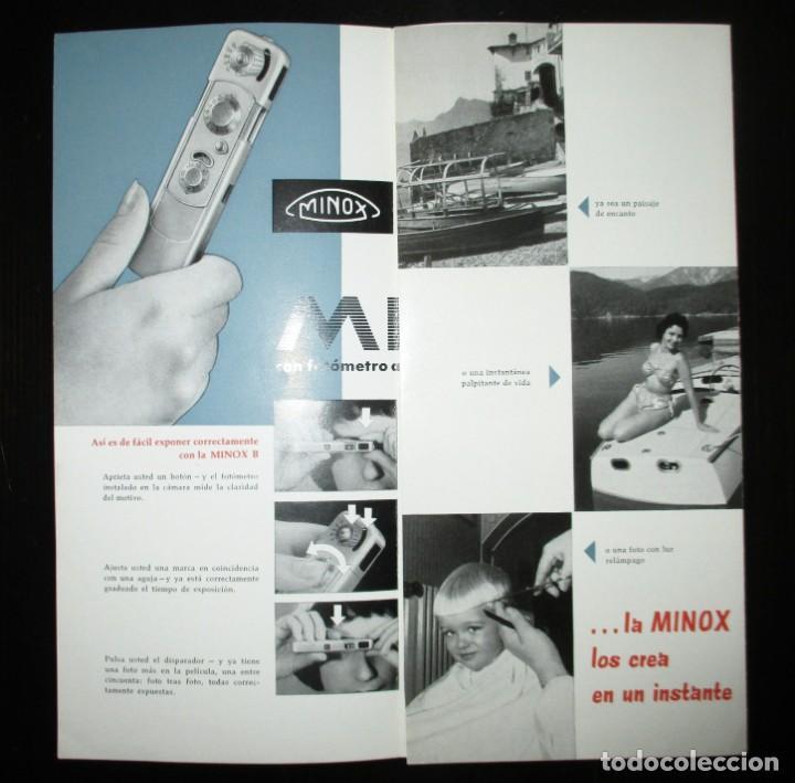 Cámara de fotos: TRÍPTICO PUBLICITARIO DE LA CÁMARA EN MINIATURA MINOX. ORIGINAL DE 1965 EN ESPAÑOL. - Foto 2 - 242382315