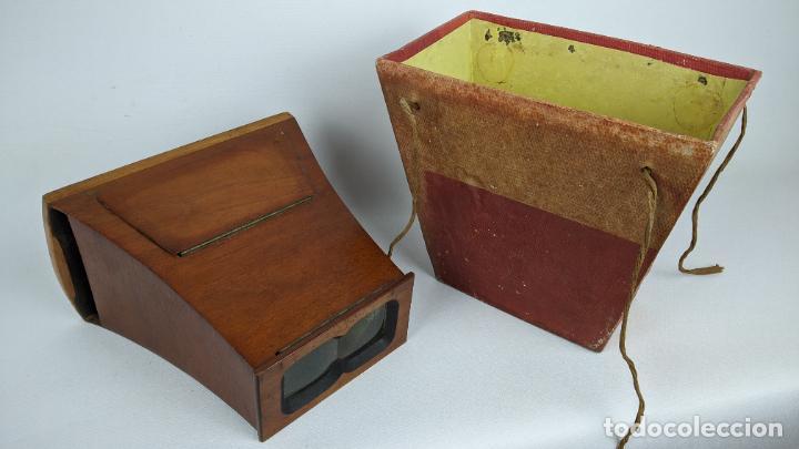 Cámara de fotos: Antiguo visor estereoscópico en madera. Lentes, espejo y ahumado. - Foto 5 - 243665800