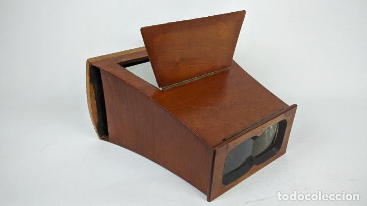 Cámara de fotos: Antiguo visor estereoscópico en madera. Lentes, espejo y ahumado. - Foto 8 - 243665800