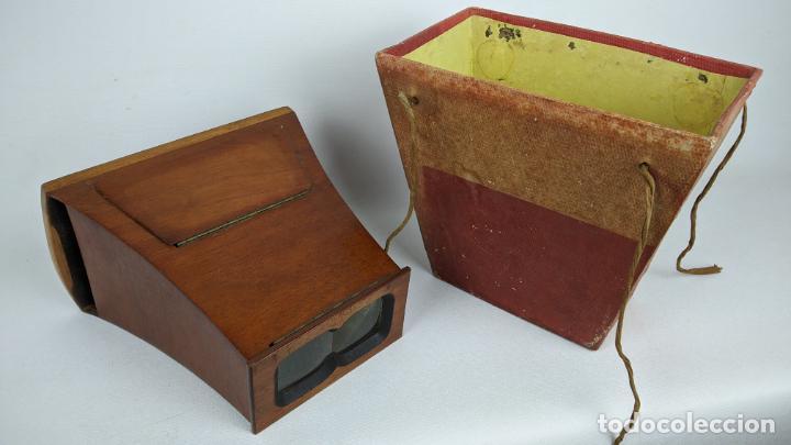 Cámara de fotos: Antiguo visor estereoscópico en madera. Lentes, espejo y ahumado. - Foto 10 - 243665800