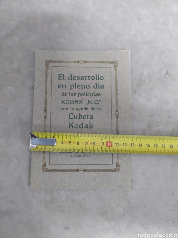 Cámara de fotos: MANUAL PARA EL DESARROLLO EN PLENO DÍA CON AYUDA DE CUBETA KODAK - 24 PAG. - 13x18 CM - Foto 8 - 247208915