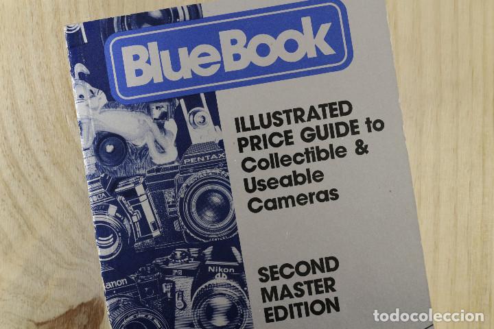 BLUE BOOK ILLUSTRATED PRICE GUIDE TO COLLECTIBLE & USABLE CAMERAS (Cámaras Fotográficas - Catálogos, Manuales y Publicidad)