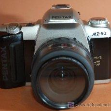 Cámara de fotos: PENTAX MZ-50 CON OBJETIVO PENTAX 35/80MM. Lote 17955291