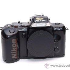 Cámara de fotos: NIKON F-401S. Lote 30158172