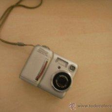 Cámara de fotos: NIKON COOLPIX 775. CON MUCHOS COMPLEMENTOS. ALGO NO FUNCIONA.. Lote 32848807