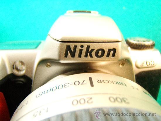 Cámara de fotos: NIKON F65 - OBJETIVO NIKON AF NIKKOR 70-300 MM. 1:4-5,6 - AUTOFOCUS -MOTOR Y FLASH - PERFECTA - 2001 - Foto 2 - 36890195
