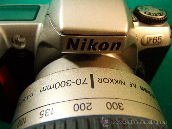 Cámara de fotos: NIKON F65 - OBJETIVO NIKON AF NIKKOR 70-300 MM. 1:4-5,6 - AUTOFOCUS -MOTOR Y FLASH - PERFECTA - 2001 - Foto 3 - 36890195