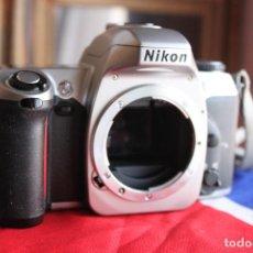 Cámara de fotos: CUERPO NIKON F65 + PILAS NUEVAS + CORREA NIKON. Lote 105094179