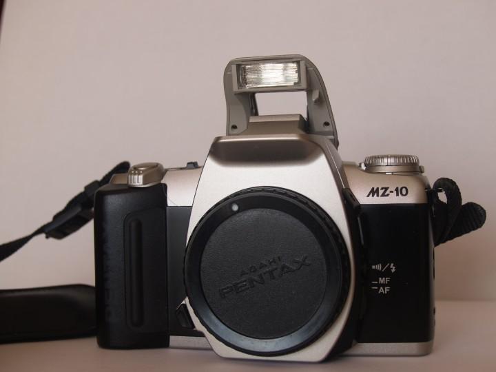 PENTAX MZ - 10 + CORREA PENTAX (Cámaras Fotográficas - Réflex (autofoco))