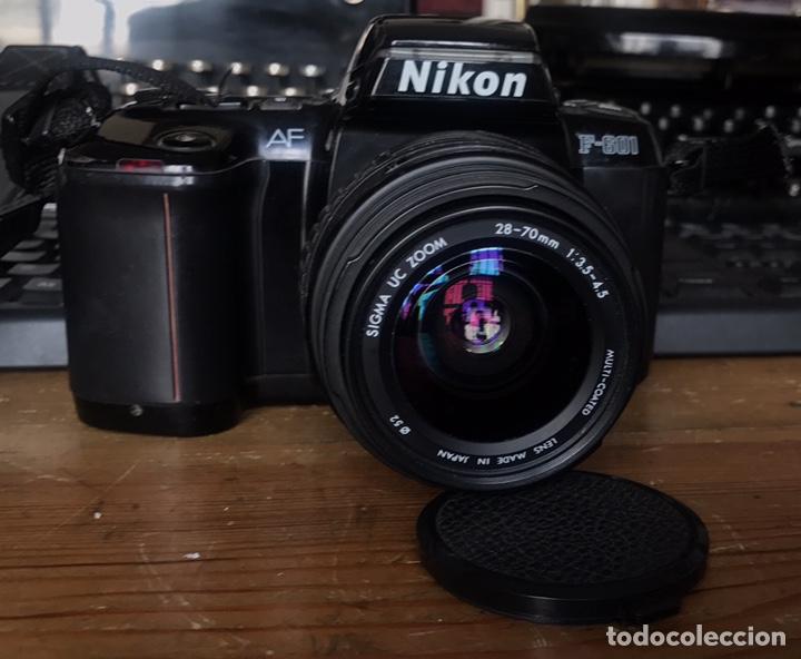 Cámara de fotos: Cámara AF Nikon F 601. Objetivo Sigma 28/70. Bolsa de Transporte. - Foto 2 - 130609799