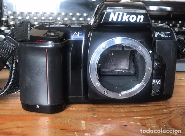Cámara de fotos: Cámara AF Nikon F 601. Objetivo Sigma 28/70. Bolsa de Transporte. - Foto 8 - 130609799