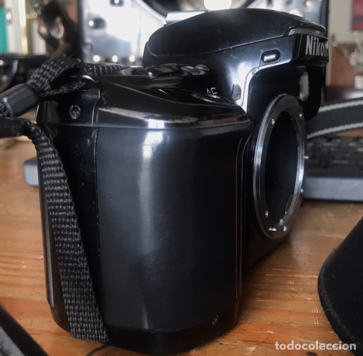 Cámara de fotos: Cámara AF Nikon F 601. Objetivo Sigma 28/70. Bolsa de Transporte. - Foto 9 - 130609799