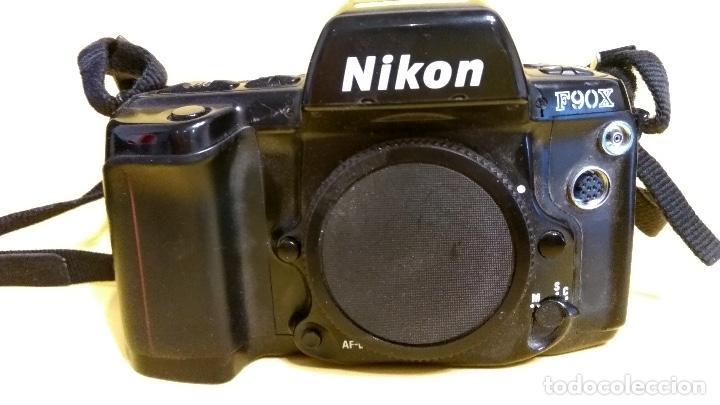 NIKON F90X EN BUEN ESTADO CON RESPALDO NIKON MF-26 (Cámaras Fotográficas - Réflex (autofoco))