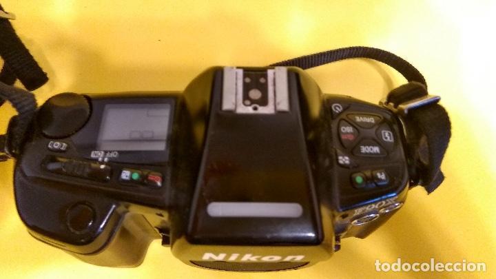 Cámara de fotos: Nikon F90x en buen estado con respaldo Nikon MF-26 - Foto 2 - 140621402