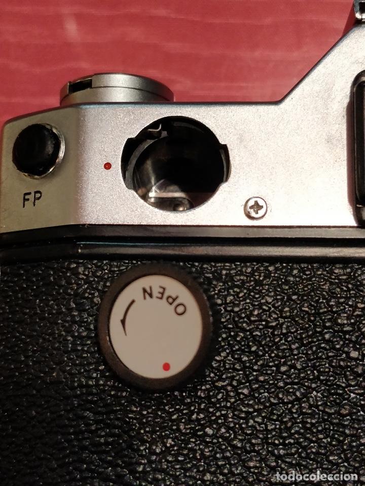 Cámara de fotos: Camara Reflex Yashica, con objetivo Auto Yashinon DX 1,4 200mm. - Foto 11 - 37121992