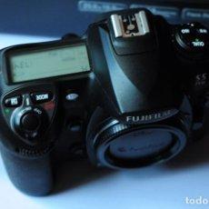 Cámara de fotos: FUJIFILM S5 PRO. Lote 143971830