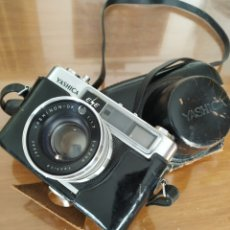 Cámara de fotos: CAMARA YASHIKA. Lote 160190277