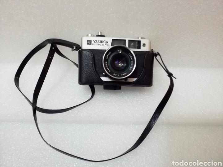 Cámara de fotos: Cámara Yashica Electro 35 FC con funda original. - Foto 2 - 160573393