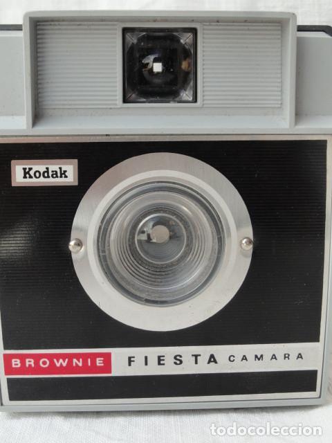 Cámara de fotos: CÁMARA FOTOS KODAK BROWNIE FIESTA. - Foto 5 - 167603220