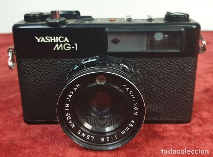 Cámara de fotos: CÁMARA FOTOGRAFICA. YASHICA MODELO MG-1. TELEMÉTRICA. INCLUYE FLASH. JAPÓN. 1975. - Foto 3 - 168025696