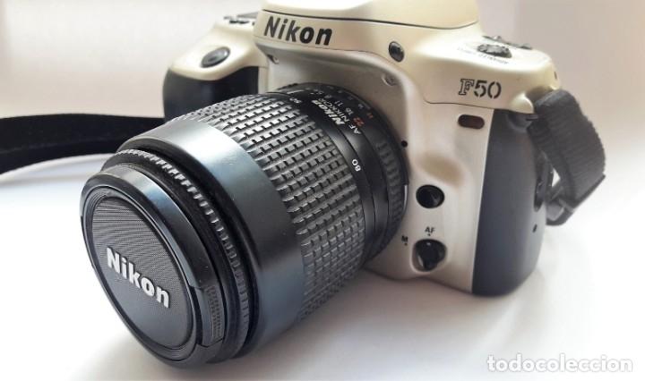 CÁMARA NIKON F50 EN PERFECTO ESTADO CON OBJETIVO NIKKOR 35/80 MM Y BATERÍA RECARGABLE. (Cámaras Fotográficas - Réflex (autofoco))