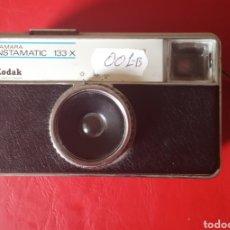 Cámara de fotos: KODAK INSTAMATIC 133. Lote 180889513
