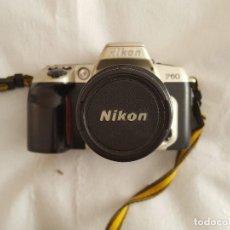 Cámara de fotos: CAMARA NIKON F60 OBJETIVO NIKON AF NIKKOR 35-80MM. 1:4-5.6D CON BOLSO TRANSPORTE Y ACCESORIOS. Lote 189977282