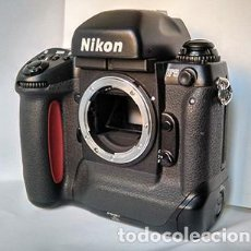 Cámara de fotos: NIKON F5 - CÁMARA PROFESIONAL SLR PARA PELÍCULA 35MM. FILM SLR CAMERA. Lote 225203696