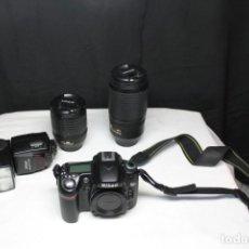 Cámara de fotos: CÁMARA DE FOTOS D80 CON DOS OBJETIVOS , FLASH, CARGADOR Y BOLSA. Lote 236466265