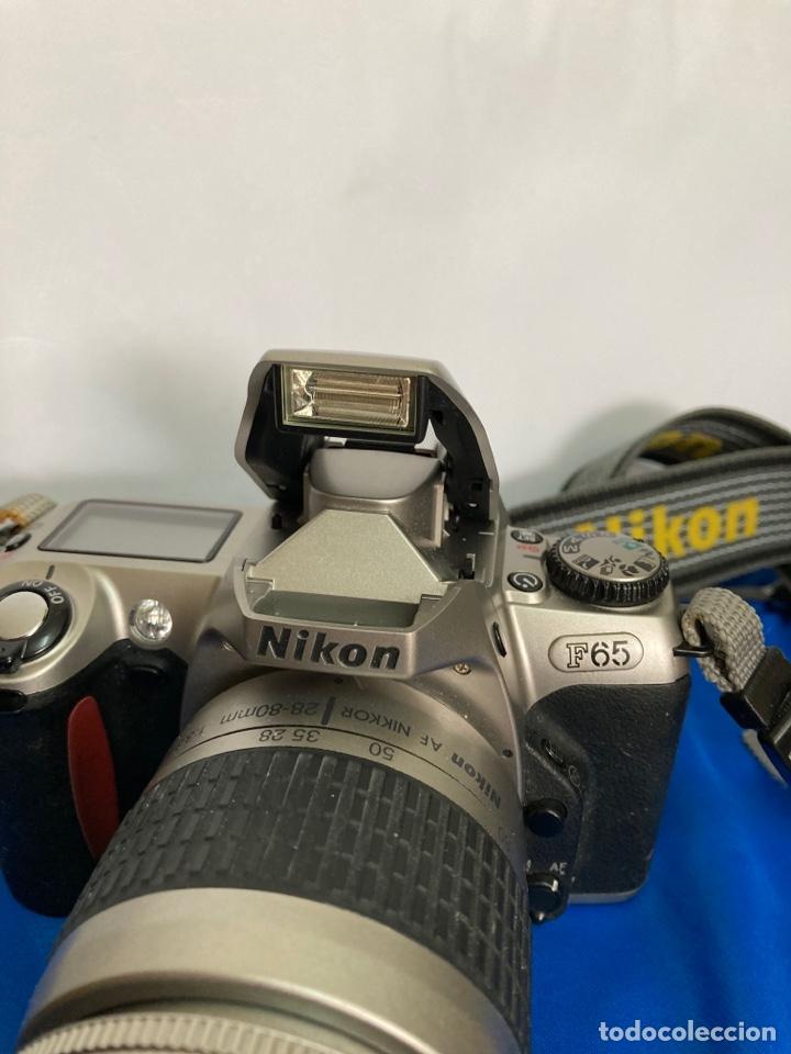 Cámara de fotos: Camara de fotos NIKON F65, con flash, correa, y foco - Foto 2 - 253072405