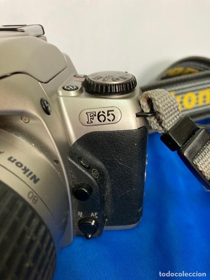 Cámara de fotos: Camara de fotos NIKON F65, con flash, correa, y foco - Foto 3 - 253072405