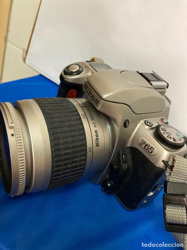 Cámara de fotos: Camara de fotos NIKON F65, con flash, correa, y foco - Foto 4 - 253072405