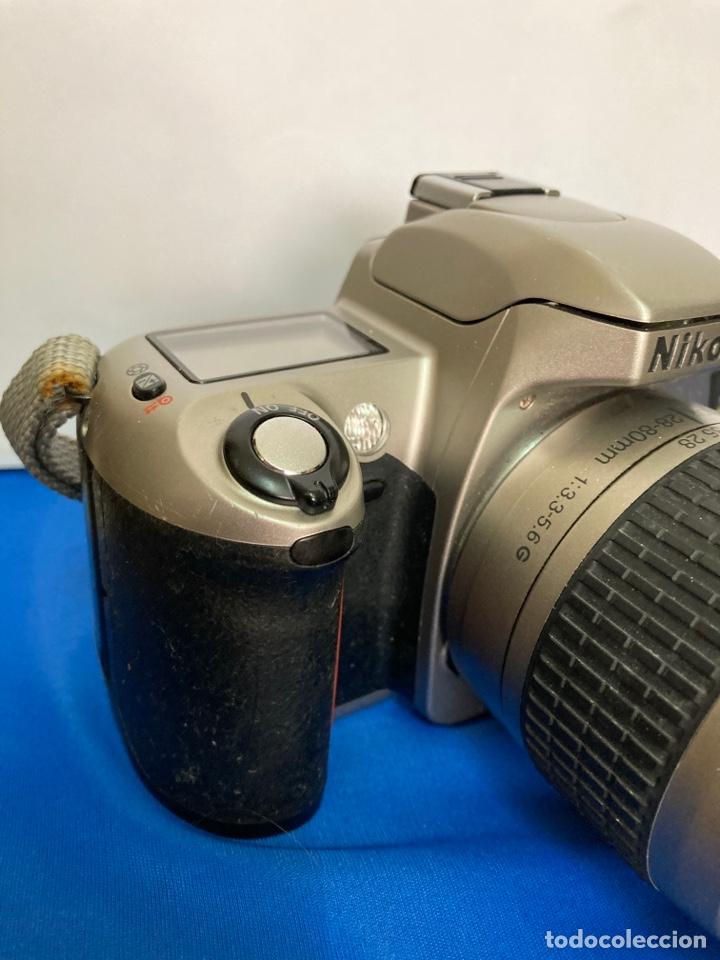 Cámara de fotos: Camara de fotos NIKON F65, con flash, correa, y foco - Foto 5 - 253072405