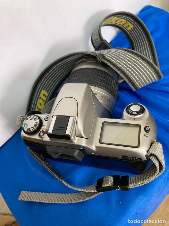 Cámara de fotos: Camara de fotos NIKON F65, con flash, correa, y foco - Foto 6 - 253072405