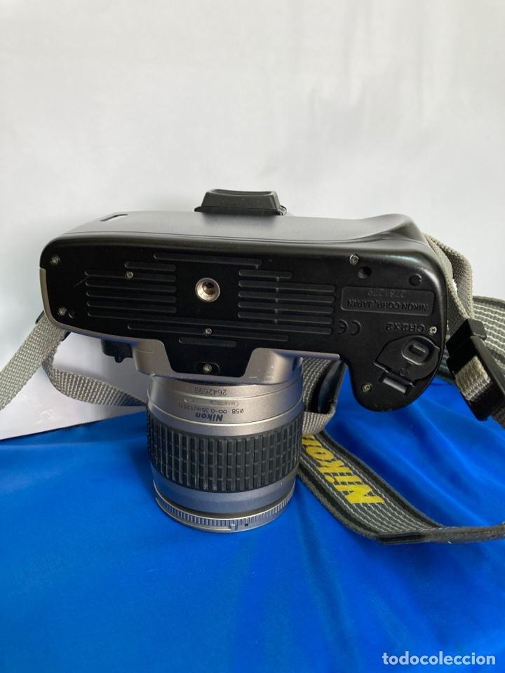 Cámara de fotos: Camara de fotos NIKON F65, con flash, correa, y foco - Foto 7 - 253072405