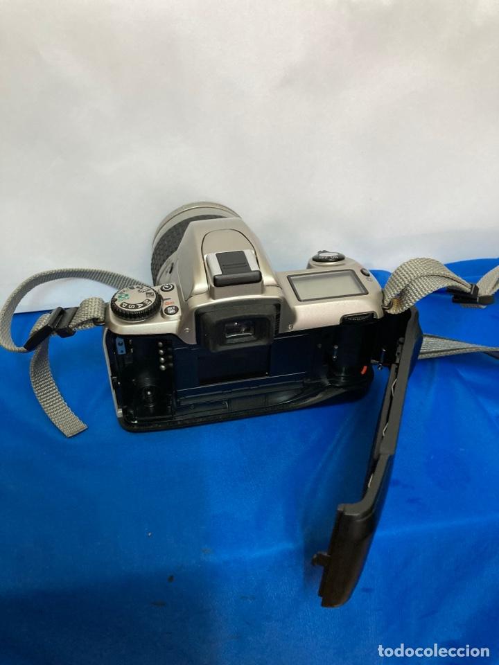 Cámara de fotos: Camara de fotos NIKON F65, con flash, correa, y foco - Foto 9 - 253072405