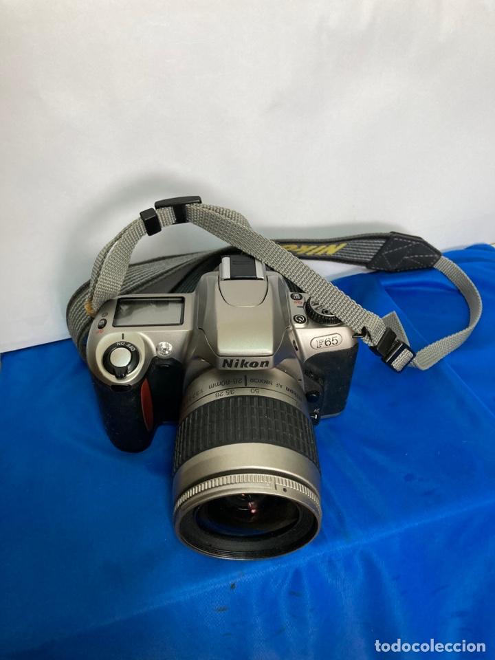 Cámara de fotos: Camara de fotos NIKON F65, con flash, correa, y foco - Foto 11 - 253072405