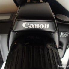Cámara de fotos: CANON EOS 1000 F + OBJETIVO 35-80 + TELEOBJETIVO 80-200 + FLASH 300 EZ + ET-62 II + TRÍPODE POCO USO. Lote 256087215