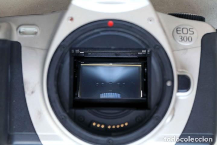 Cámara de fotos: Canon EOS 300 - Foto 2 - 274595963